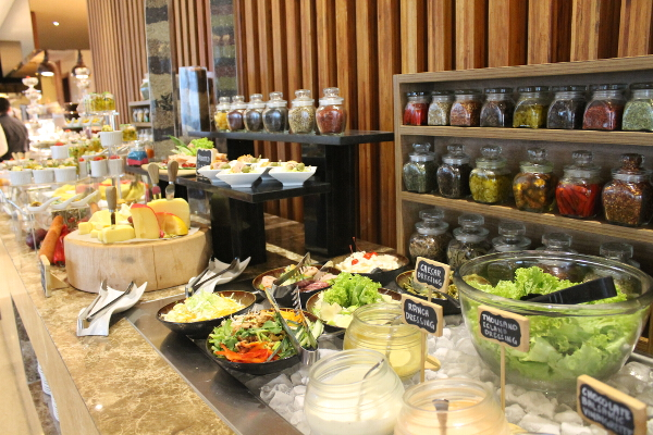 The many stations of City Garden Grand Hotels SULIT Grand Lunch