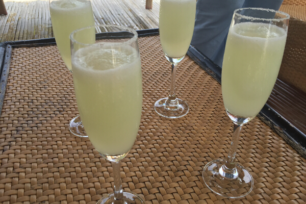 Welcome drinks: Cucumber-calamansi shake