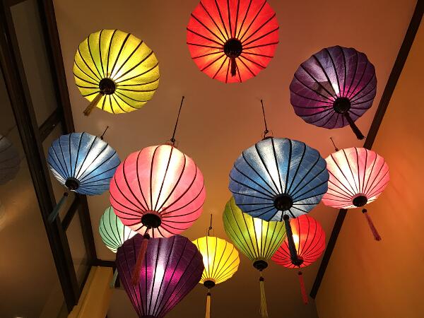 Troi Oi lanterns