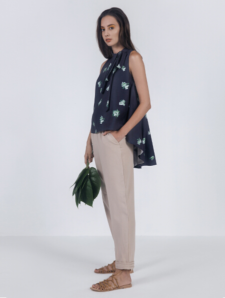 Amara top in Navy (P1,598) and Jacinta pants in Khaki (P1,698)