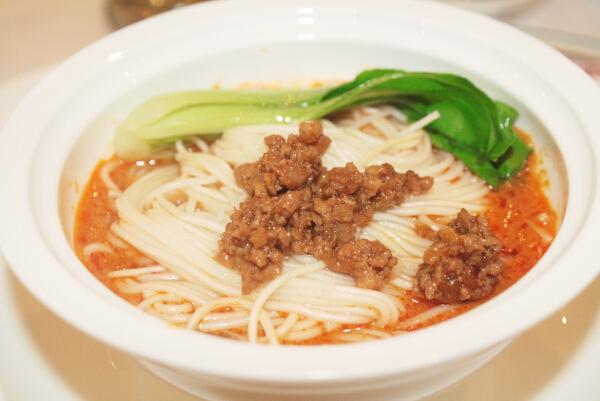 dan dan noodles szechuan style