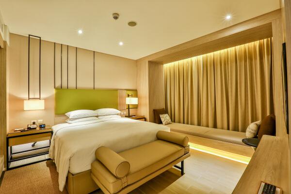 Courtyard Iloilo Junior Suite Bedroom