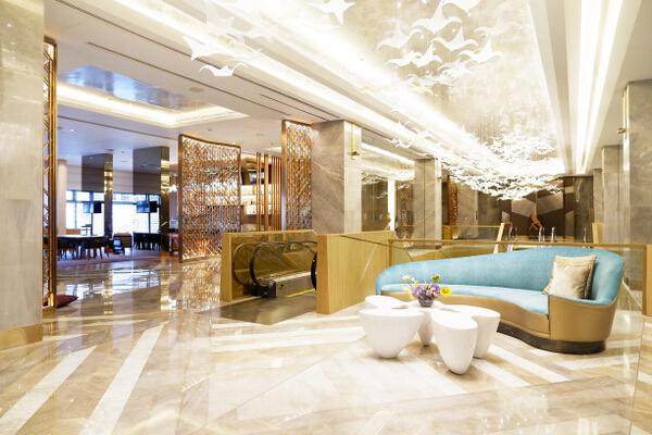 Hilton Lobby 3