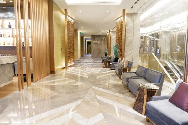 Hilton Lobby 4