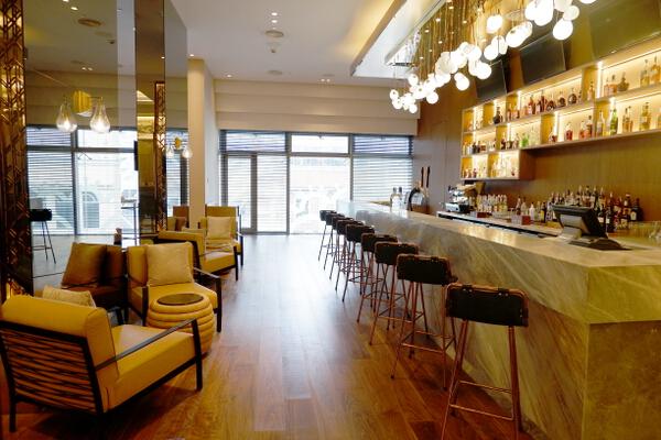 Hilton Madison Bar 1
