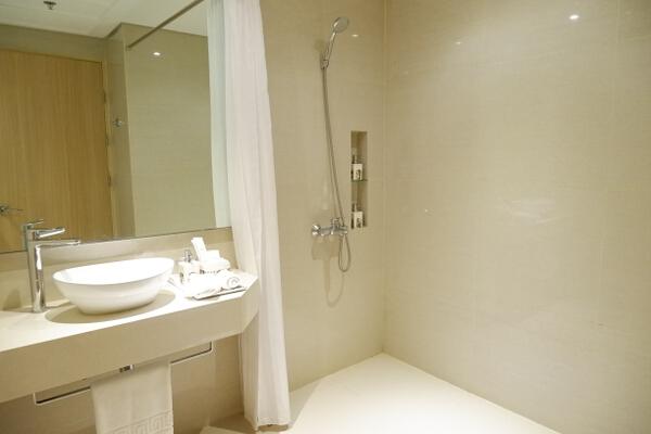 Savoy Boracay Bathroom